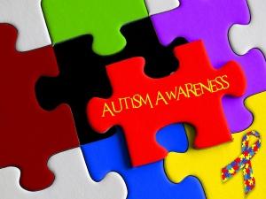 Curare l'autismo usando l'omeopatia in sinergia con altre terapie